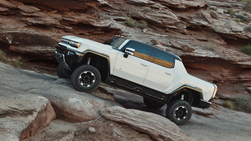 First Driving Footage of the GMC Hummer EV - The Next Avenue